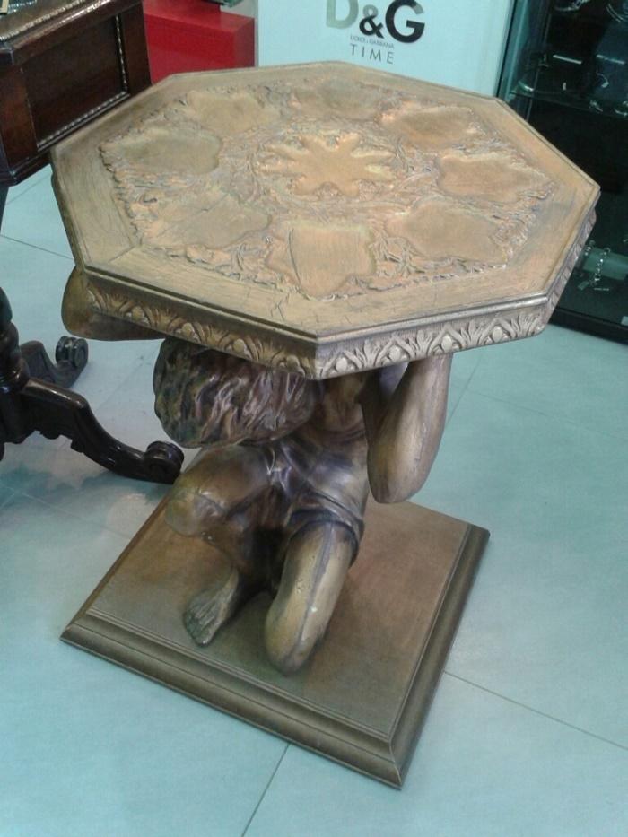 Πωλείται έπιπλο αντίκα τραπέζι οκτάγωνο «Ατλας»